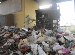 Khó thở vì khói rác tại Bệnh viện huyện Na Hang