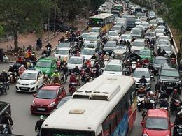 11 tuyến phố Hà Nội cấm taxi và xe tải hoạt động giờ cao điểm