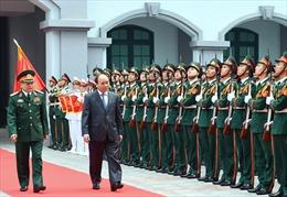 Thủ tướng Nguyễn Xuân Phúc kiểm tra công tác sẵn sàng chiến đấu tại Tổng cục II
