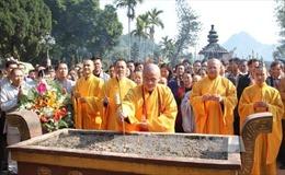 Một số bài văn khấn khi đi lễ Chùa Hương