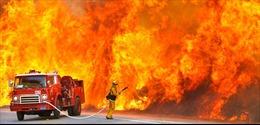 Cháy lớn tại nhà máy khí đốt