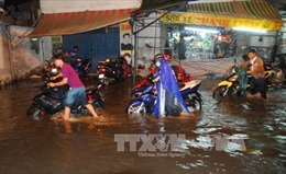 Miền Bắc khô hanh, miền Nam mưa trong mùa khô có phải là bất thường?