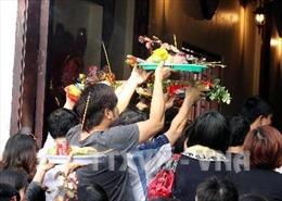 Quan ngại vấn đề văn minh nơi thờ tự tại Hà Nội