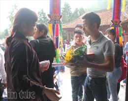 Vàng mã vắng bóng ở chùa Hương