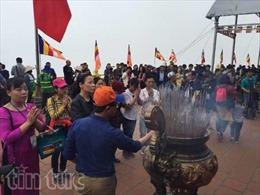 Gần 40.000 du khách dự lễ hội xuân Ngọa Vân
