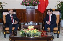 Phó Thủ tướng, Bộ trưởng Ngoại giao Phạm Bình Minh tiếp Đại sứ Ấn Độ tại Việt Nam