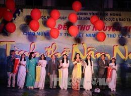 Ngày thơ Việt Nam sôi nổi tại các địa phương