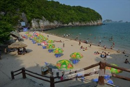 Cát Bà và Đồ Sơn là điểm du lịch chính của Hải Phòng