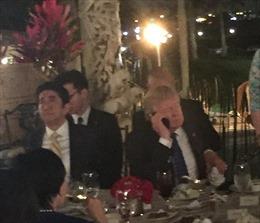 Tranh cãi chuyện ông Trump và Abe vừa ăn tiệc vừa xử lý vụ Triều Tiên