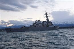 Máy bay Nga áp sát tàu khu trục Mỹ ở Biển Đen