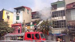 Lại cháy nhà trên đường Giải Phóng (Hà Nội)