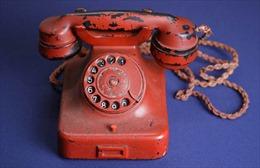 Điện thoại của Hitler được bán với giá 5,5 tỷ đồng