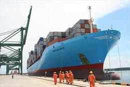 Tàu container lớn nhất từ trước đến nay cập cảng Cái Mép