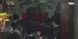Hạ bậc lương cán bộ Bộ Công Thương đi lễ trong giờ hành chính
