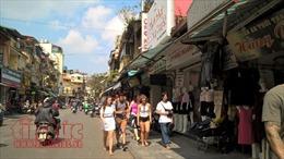 Quận Hoàn Kiếm quyết giành lại vỉa hè cho người đi bộ