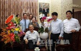 Đồng chí Võ Văn Thưởng thăm, chúc mừng các đơn vị, thầy thuốc tại Thành phố Hồ Chí Minh