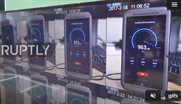 Điện thoại 5G đầu tiên thế giới xuất hiện, tải dữ liệu siêu nhanh