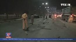 Tông xe giữa cầu Sài Gòn làm chết người