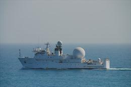 Tàu chiến Mỹ, Iran 'đối mặt' tại Eo biển Hormuz