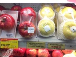 Một yến gạo Việt mới mua được 1 quả táo Nhật