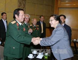 Đoàn Trung ương Hội hữu nghị Việt Nam-Lào đến chào Chủ tịch Quốc hội Lào