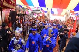 Tưng bừng lễ hội truyền thống làng nghề Bát Tràng