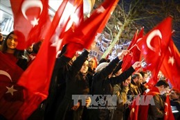 Thổ Nhĩ Kỳ dừng quan hệ ngoại giao cấp cao với Hà Lan
