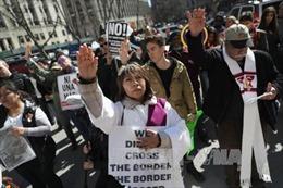 Nhiều bang Mỹ muốn tòa chặn sắc lệnh nhập cảnh mới của ông Trump