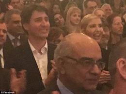 Con gái ông Trump hớn hở xem kịch cùng Thủ tướng Canada điển trai