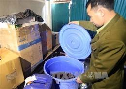 Hà Nội niêm phong, thu giữ trên 26.200 lít rượu không rõ nguồn gốc