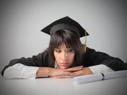 Kỳ lạ chuyện bố kiện con gái, đòi đền học phí vì chậm tốt nghiệp đại học