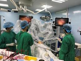 Lần đầu tiên 'người máy' phẫu thuật cho bệnh nhân ung thư dạ dày