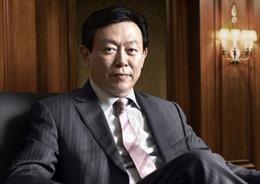 Chủ tịch Lotte cùng 4 người thân ra tòa