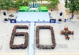 Hơn 2.000 sinh viên tham gia hưởng ứng chiến dịch Giờ Trái đất