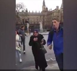 Khoảnh khắc cảnh sát nổ súng hạ nghi phạm khủng bố London