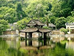 Lễ hội chùa Thầy được tổ chức thành mùa lễ hội kéo dài 3 tháng