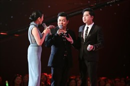 Lệ Quyên, Quang Lê, Ngọc Sơn hát 'Sầu tím thiệp hồng' trong Thần tượng Bolero