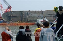 Phà Sewol đã được lai dắt về cảng 3 năm sau thảm kịch