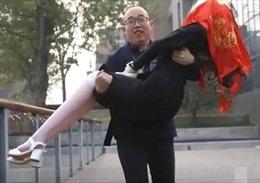 Kém may mắn trong tình yêu, kỹ sư công nghệ Trung Quốc chế tạo 'vợ robot'