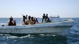 Cướp biển Somalia tấn công tàu chở hàng ở Vịnh Aden