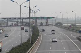 Tháo dỡ trạm thu phí Đại Xuyên trên cao tốc Pháp Vân - Ninh Bình trước ngày 30/4