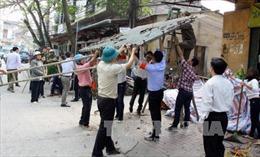 Lào Cai: Người dân tự tháo dỡ công trình lấn chiếm vỉa hè