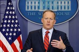 Người phát ngôn Nhà Trắng hối lỗi vì so sánh ông Assad với Hitler