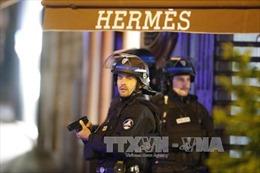 Tổng thống Pháp: Vụ nổ súng tại Paris có liên quan với khủng bố