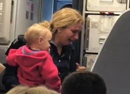 Hàng không Mỹ lại dính bê bối thô bạo với hành khách sau vụ David Dao