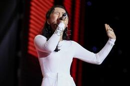The Voice 2017 vòng liveshow: Han Sara lớn bổng lên, HLV Noo ân hận vì lẽ ra nên nhường thí sinh cho Đông Nhi từ đầu