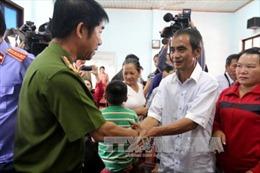 Chuyển 10 tỷ đồng bồi thường cho 'người tù xuyên thế kỷ' Huỳnh Văn Nén
