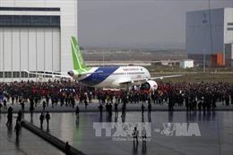 Sau 2 lần hoãn, máy bay chở khách tự chế đầu tiên của Trung Quốc đã cất cánh