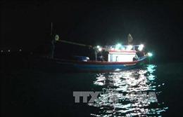 Tàu cá va chạm ghe câu mực làm 1 người tử vong, 1 người mất tích
