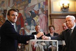 Pháp: Nơi tổ chức tiệc mừng chiến thắng của ông Macron phải sơ tán